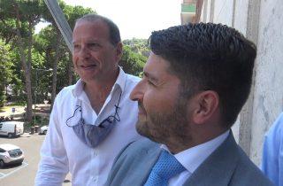 Gaeta conquista la Bandiera Blu 2021 per l'ottavo anno consecutivo: Il Sindaco Cosmo Mitrano e il Presidente dell'Authority Pino Musolino issano la bandiera blu 2021.