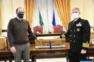 La Marina Militare Statunitense dona al Comune di Gaeta dispositivi di protezione individuale, la cerimonia