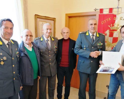 Il GeneraleFlavio Aniello, Comandante del Centro Sportivo della Guardia di Finanza di Gaeta, questa mattina ha fatto visita al Comune di Gaeta