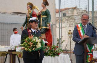 Gigli, palme e rose per i SS. Cosma e Damiano.
